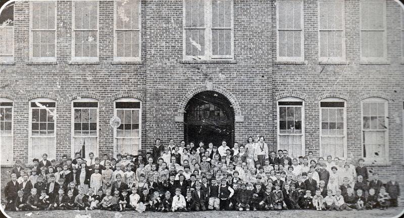 Johnsonville Student Body 1921.jpg