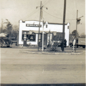 Poston's Lunch Diner and Sinclair Station, Broadway