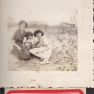 Wonnie Mae Powell, Bobby Jean Floyd, and Judy Ray Piper beach.jpg
