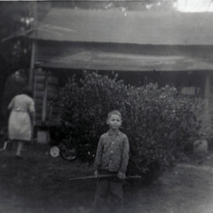 Steve Dukes in front of Old House - Johnsonville.jpg
