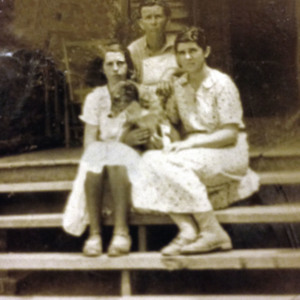 Edna Octavia and Esther Carter.jpg