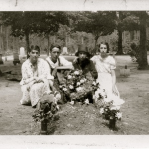 Esther, Lamuel, Octavia, Edna Carter - Morgan Ham Carter Grave.jpg