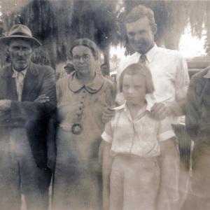 Barney, Annie Sue, William, Lois, and Herbert Hanna.jpg