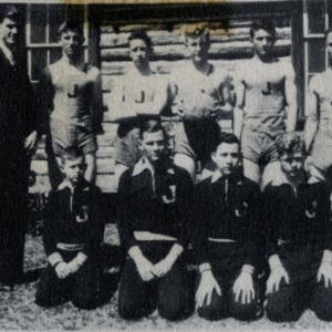 Boy's Basketball Squad 1939.jpg
