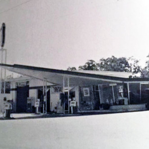 Lyerly's Service Station 1973 - Wellman Station Philips 66.jpg